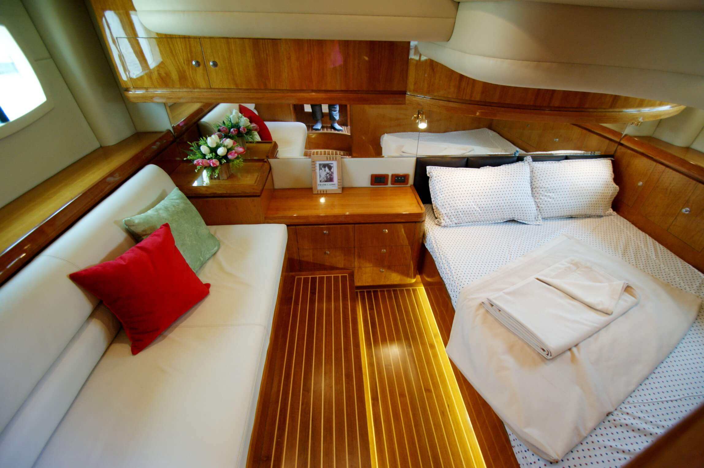 Artemis 43 A New Line Of Fast Boasts Motor Yachts